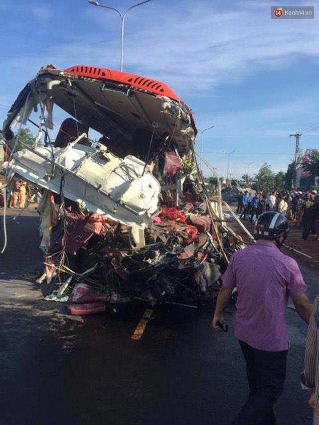 Hiện trường vụ tai nạn thảm khốc ở Gia Lai.