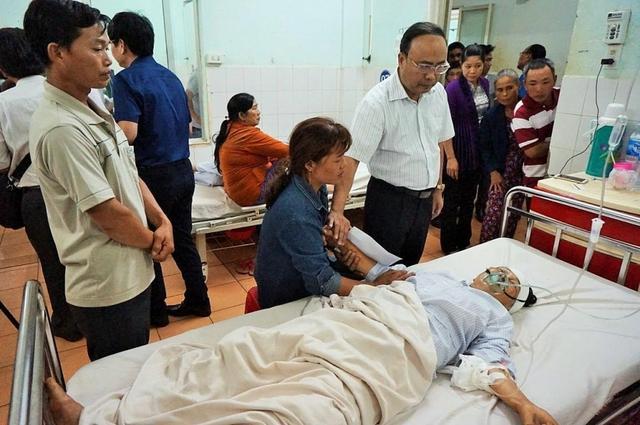 Nạn nhân bị thương nặng đang cấp cứu tại Bệnh viện Đa khoa tỉnh Gia Lai