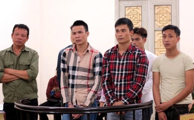 Các bị cáo tại tòa. Ảnh: V.T.