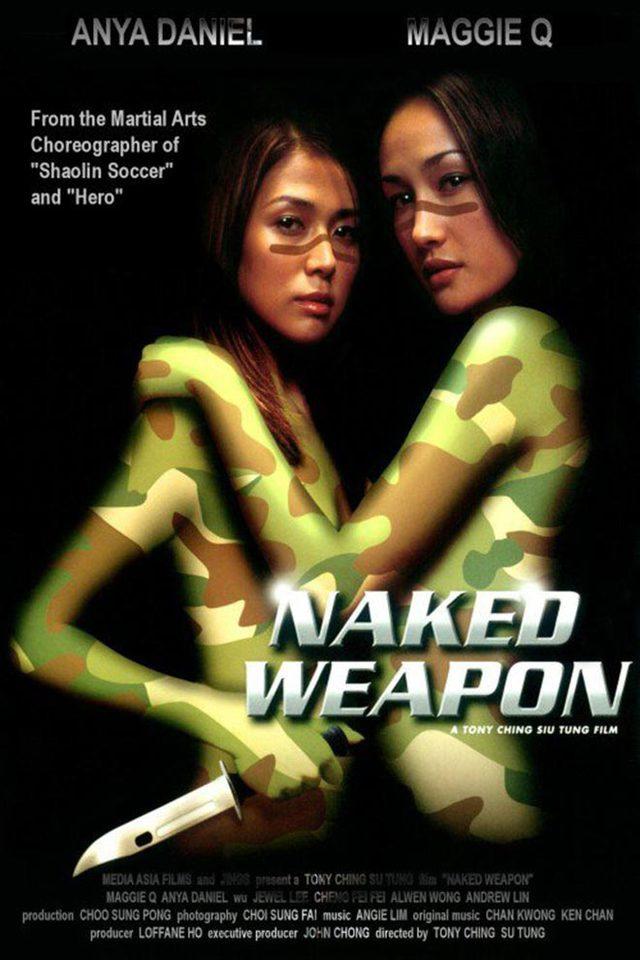 Cặp đôi sát thủ Maggie Q và Anya Daniel trong phim Vũ khí khiêu gợi (2002)