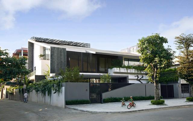 Căn biệt thự nằm tại Đông Anh, Hà Nội, có diện tích nền 700 m2.