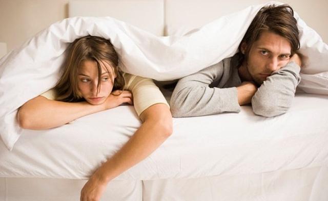 Khô hạn và rối loạn cương dương là 2 rắc rối lớn nhất mà không cặp đôi nào mong muốn xuất hiện trong cuộc sống của mình.