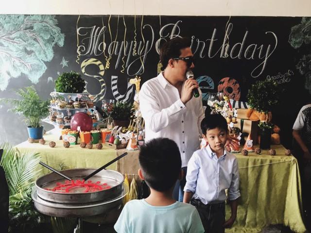 Trấn Thành làm MC trong sinh nhật lần thứ 7 của Subeo. Ảnh: Thành Luân.