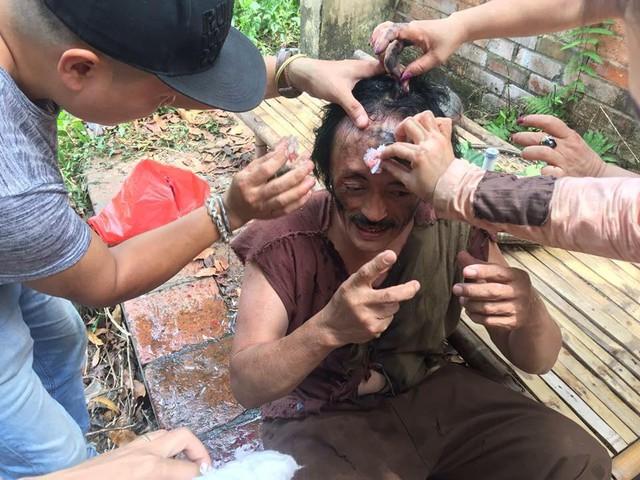 Cảnh quay khiến nghệ sĩ Giang còi bị thương.