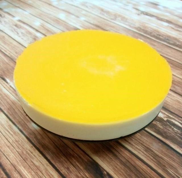 Bánh cheesecake chanh dây thanh mát cho mùa hè.
