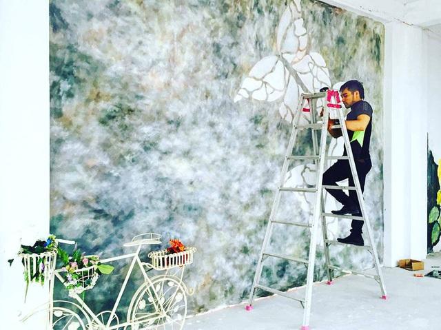 Vẽ tranh tường đòi hỏi khả năng ước lượng và thẩm mỹ của hoạ sĩ