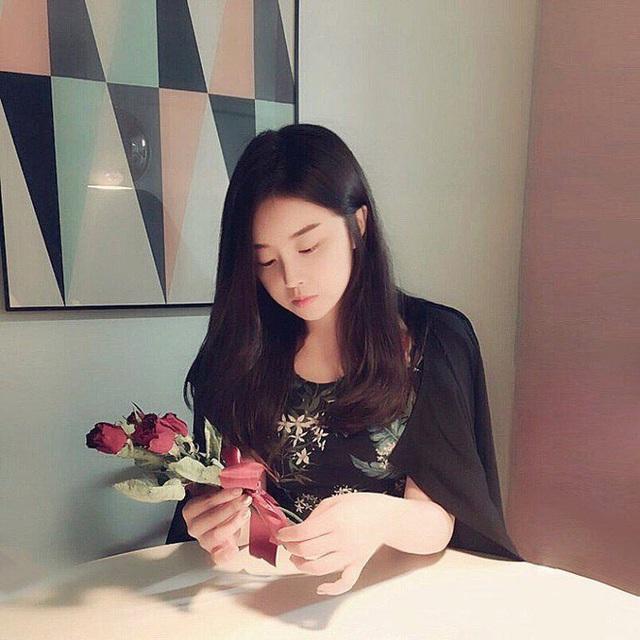 Kim Su Kyung phải bỏ học để tự kinh doanh, kiếm tiền trả nợ cho cha.