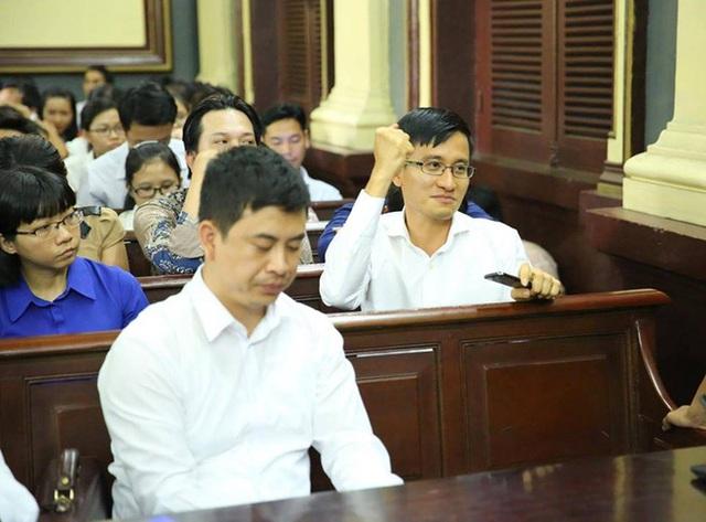 Luat su bao ve ong Cao Toan My: 'Ai cung co the kien nghi dinh chi vu an, nhung....
