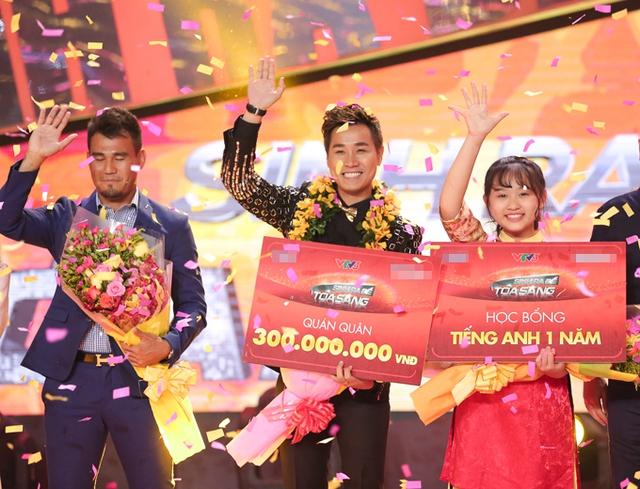 Nguyên Khang giành chiến thắng trong đêm gala với phần thưởng 300 triệu đồng.