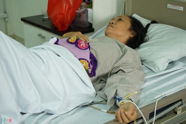 Hàng chục năm đã qua, bà Nguyệt vẫn nhớ như in ký ức về hai người chồng liệt sĩ. Ảnh: Hoàng Như.