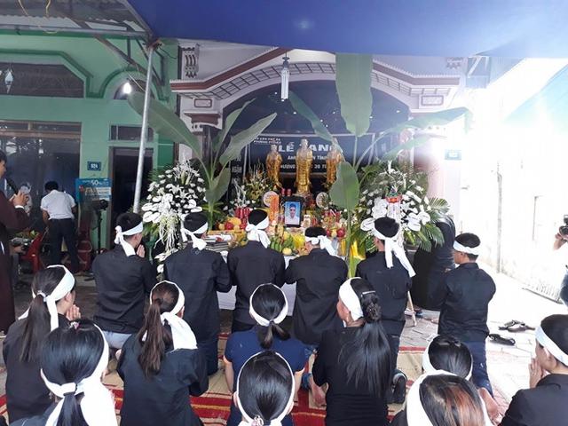 Lễ tang nam ca sĩ trẻ diễn ra ngay trong trưa nay tại Thái Nguyên.