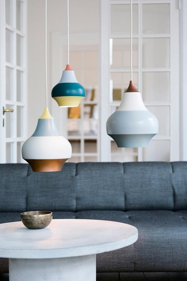 Chân dung chiếc đèn chiếu sáng mà nhà thiết kế Thụy Điển Clara von Zweigbergk lấy cảm hứng từ chuyển động quay của khu vui chơi.