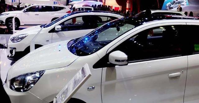 Nhiều người có tâm lý chờ đợi giá ô tô còn giảm nữa