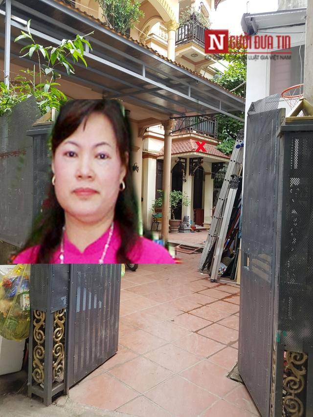 Ngôi nhà của vợ chồng nữ bí thư Đảng ủy cửa đóng then cài.