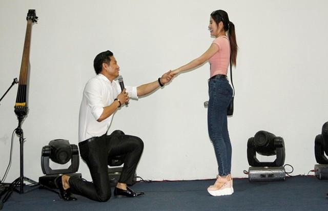 'Ngọc nữ bolero' Tố My lên tiếng thông tin được Quý Bình cầu hôn
