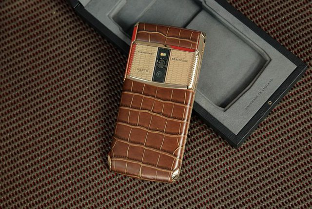 Vertu New Signature Touch - The Floating Seahorse