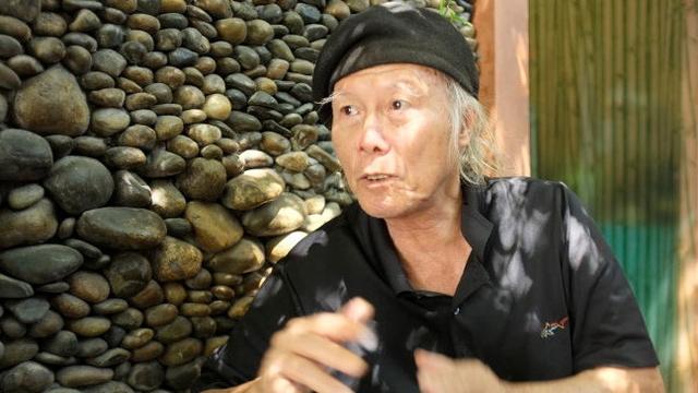 Nhà thơ Thanh Tùng - tác giả bài thơ Thời hoa đỏ. Ảnh: Hoài Linh.