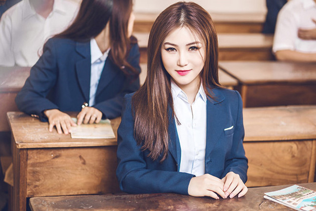 Hương Tràm tiếp tục được khen ngợi khi thể hiện một ca khúc ballad buồn mang tên Em gái mưa.