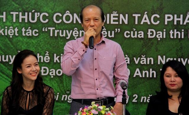 Ông Nguyễn Thế Vinh (giữa) sẽ thôi cương vị giám đốc Nhà hát Kịch Việt Nam vào đầu tháng 11.
