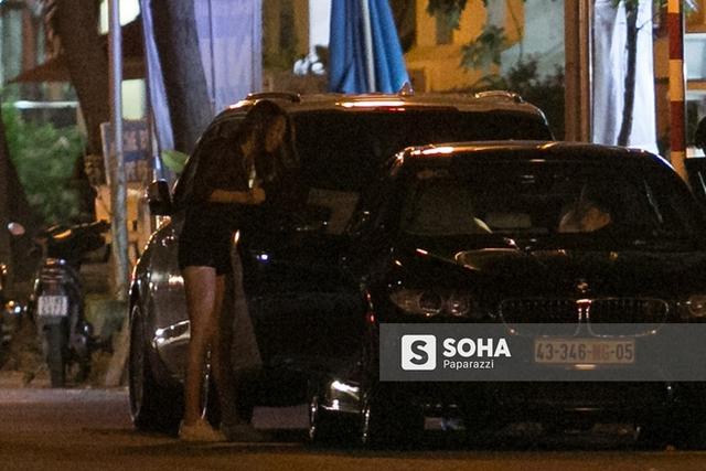 Cường Đôla và Đàm Thu Trang xuất hiện cùng nhau trên chiếc BMW M5 hàng hiếm ngay trước cửa nhà Cường Đô la.