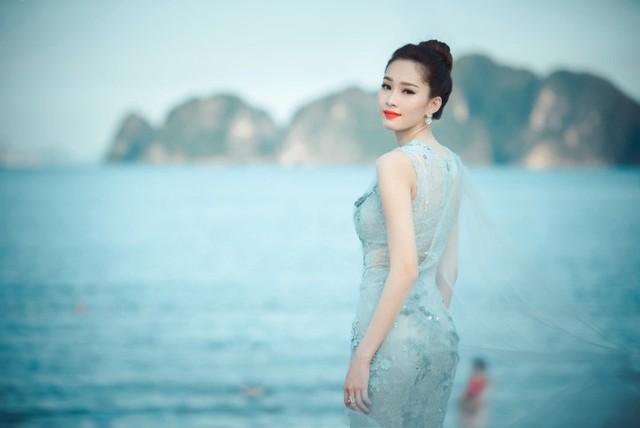 Nhan sắc vạn người mê của Hoa hậu sắp cưới đại gia