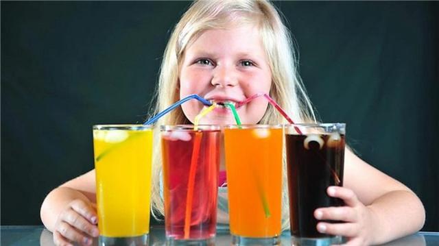 Phát hiện sốc: Thường xuyên ăn kem, uống nước có ga, trẻ dễ mắc căn bệnh nguy hiểm cho gan - Ảnh 1.
