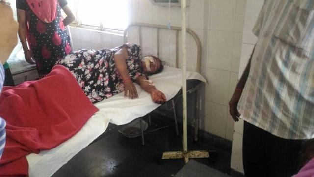 Uma đang dần hồi phục tại bệnh viện quận Almora.