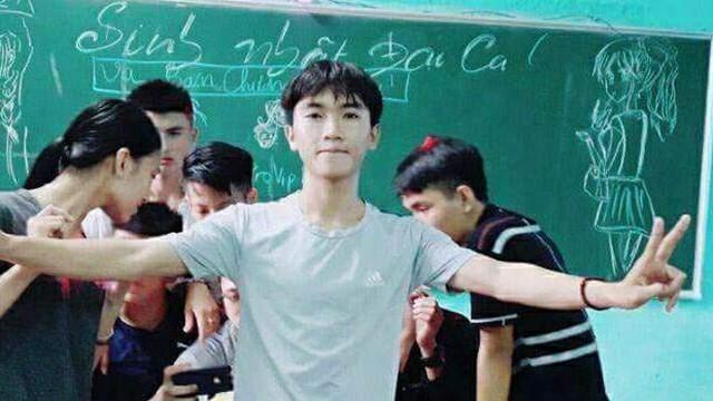 Nam sinh dũng cảm cứu người Nguyễn Văn Long.