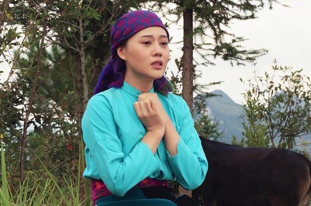 Phương Oanh có nhiều cảnh phải khóc trong Lặng yên dưới vực sâu.