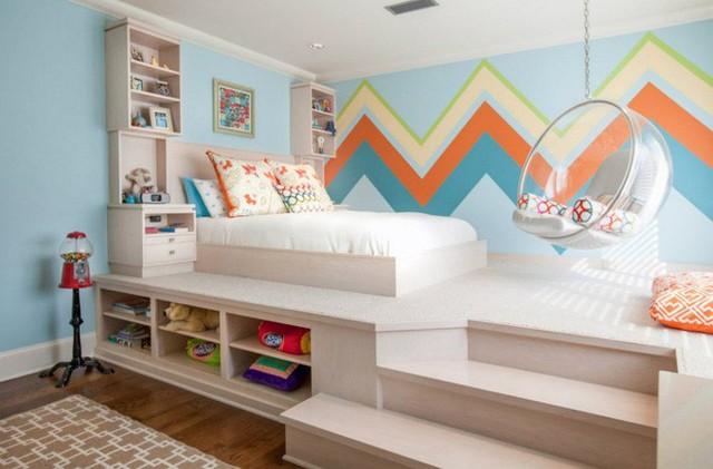 Tùy thuộc vào chiều cao của căn phòng để bạn thiết kế sàn giật cấp phù hợp. Nếu không gian đủ cao và rộng, việc thiết kế giật cấp để tăng thêm nhiều khu vực chức năng là điều cần thiết. Ở phần sàn giật cấp, bạn có thể thiết kế giường và khu vực thư giãn.