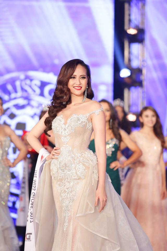 Vào rạng sáng ngày 4/11 (theo giờ Việt Nam), sau 3 tiếng tranh tài đêm chung kết, đại diện Việt Nam Đỗ Trần Khánh Ngân đã xuất sắc đăng quang danh hiệu cao nhất trong đêm chung kết Miss Globe 2017.
