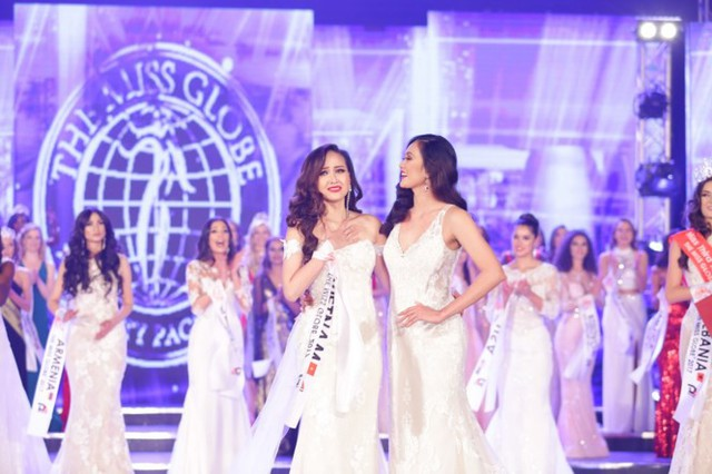 Người đẹp ngỡ ngàng khi tên mình được xướng lên với ngôi vị cao nhất của cuộc thi Miss Globe 2017.