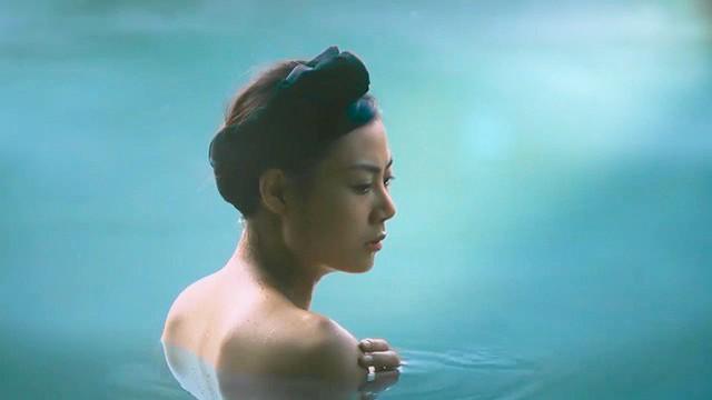 Diễn viên Thanh Hương đóng vai Nương - một ca nương trong phim Thương nhớ ở ai.