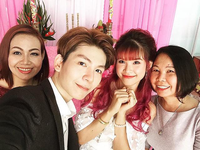 Lễ đính hôn của Khởi My và Kelvin Khánh tại nhà riêng vào tháng 4 vừa qua.