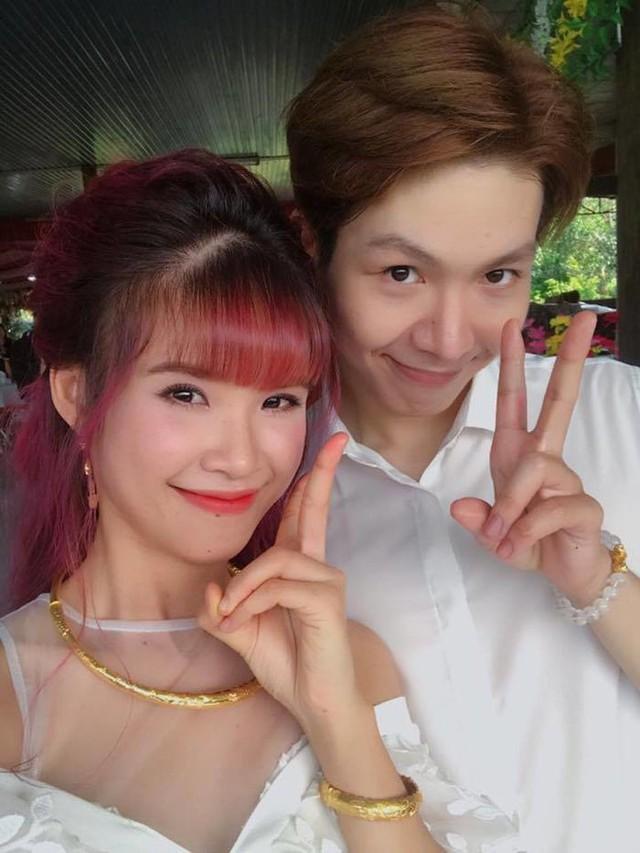 Tổ chức đám cưới ở hồ bơi, Khởi My và Kelvin Khánh đã bỏ ra số tiền bao nhiêu?