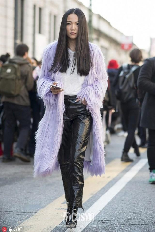 Những chiếc áo khoác lông xù như... chổi nhưng vẫn nhiều người mê