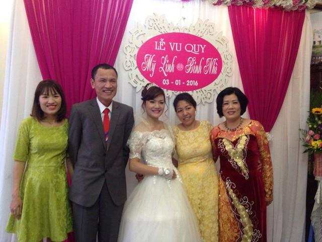 Gia đình của Tú Ngọc trong đám cưới của em gái cách đây gần 2 năm
