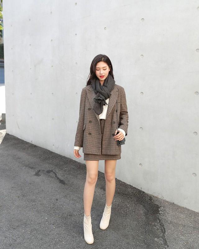 4 phụ kiện đơn giản vừa giúp giữ ấm lại vừa giúp trang phục trông thời trang hơn