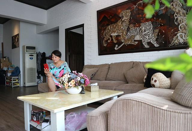 Hải Lý cho biết căn hộ có giá 4 tỷ đồng, chưa tính vật dụng nội thất.