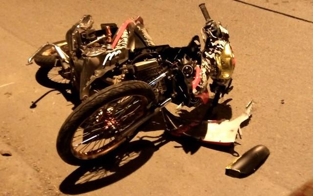 Hai thanh niên tử vong cạnh chiếc Exciter bị hỏng ở Sài Gòn