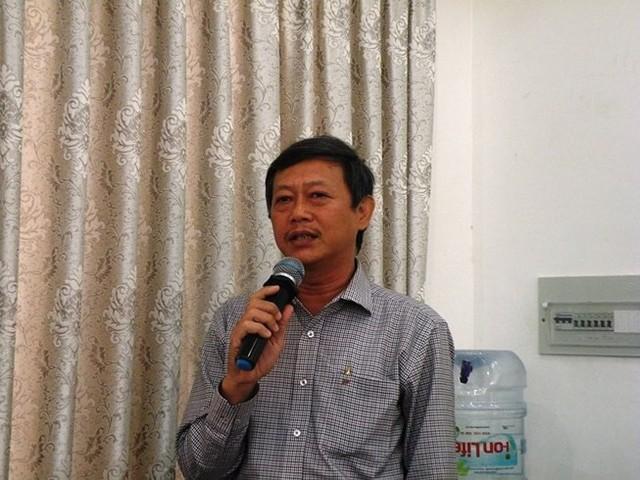 Ông Trịnh Vinh Thanh, Phó Trưởng phòng GD&ĐT quận Gò Vấp chia sẻ quan điểm của mình tại buổi hội thảo.