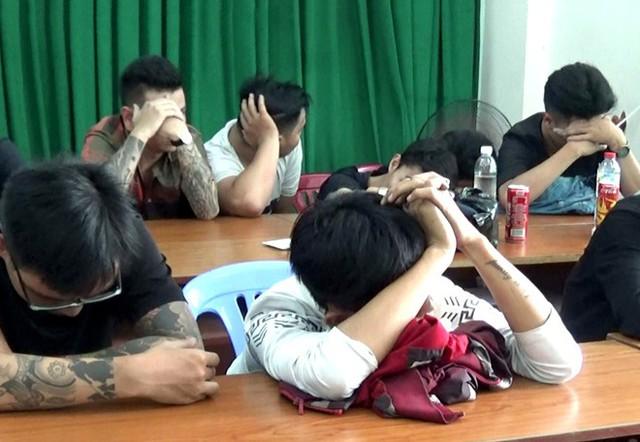 Hơn 20 nam, nữ phê ma túy trong quán karaoke giữa trung tâm Sài Gòn
