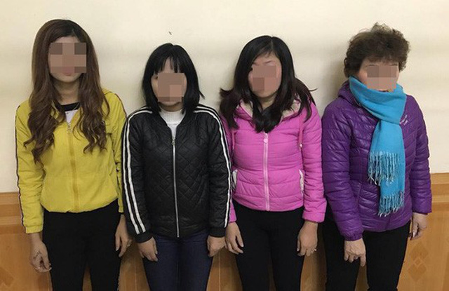 Nhóm 4 phụ nữ bán dâm ở ven sông Tô Lịch