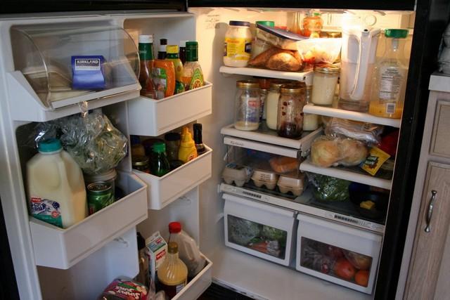 Không phải thực phẩm nào cũng trữ được trong tủ lạnh