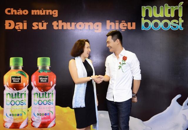 Phan Anh là đại sứ thương hiệu của nhãn hàng Nutriboost vào đầu năm 2017