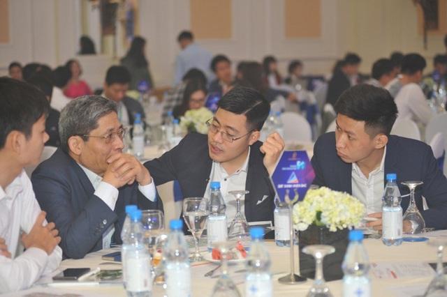 Đông đảo khách hàng tìm hiểu và quan tâm tới dự sự kiện Ra mắt Tiêu chuẩn 5S của TNR Holdings Việt Nam.