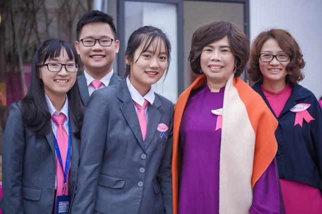 Bà Thái Hương cho rằng học phí cao vì nhiều nguyên nhân. Ảnh: N.K.