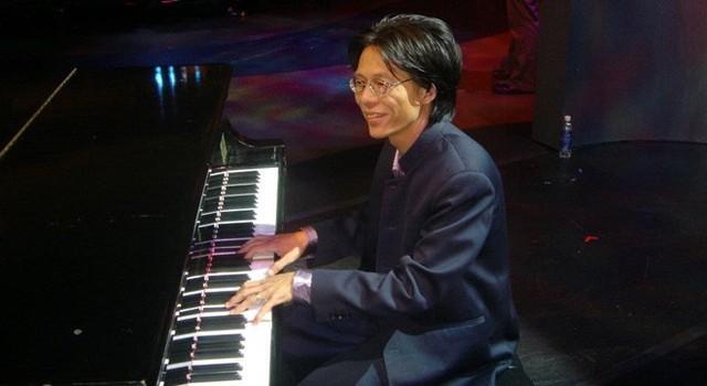 Con trai nhạc sĩ Nguyễn Ánh 9 bức xúc khi cha bị lợi dụng tên tuổi. Anh còn chia sẻ việc gia đình bị Ánh Tuyết chửi bới.
