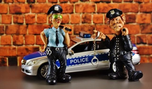 Cảnh sát thường đối mặt với stress và thường tiêu thụ thực phẩm rác. Ảnh: Pixabay