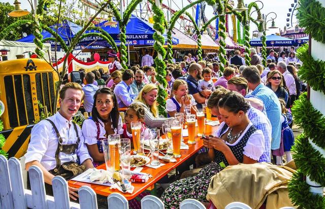 Lễ hội bia Việt của người Việt – hoành tráng một bản sắc